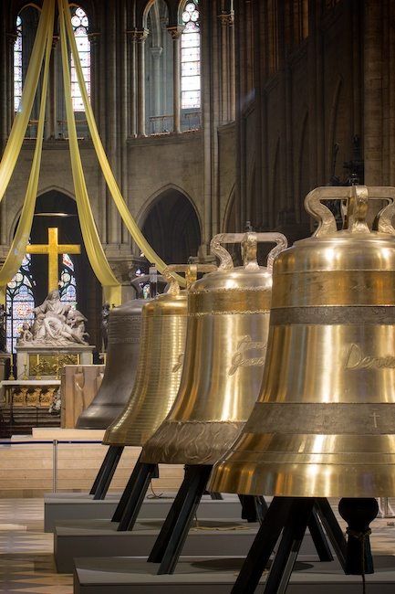 Notre-Dame ha battezzato le nuove campane