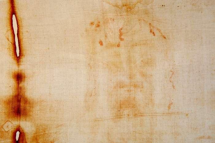Ostensione della Sindone nel 2015, a Torino ci sarà Papa Francesco?
