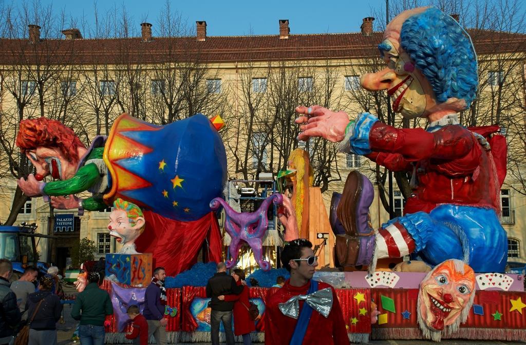 Pinerolo. Ecco i carri del Carnevale 2015