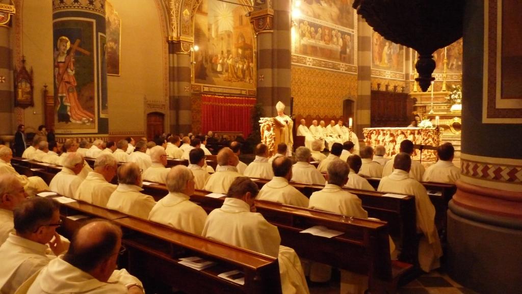 Messa crismale a Pinerolo: presentati due nuovi aspiranti diaconi