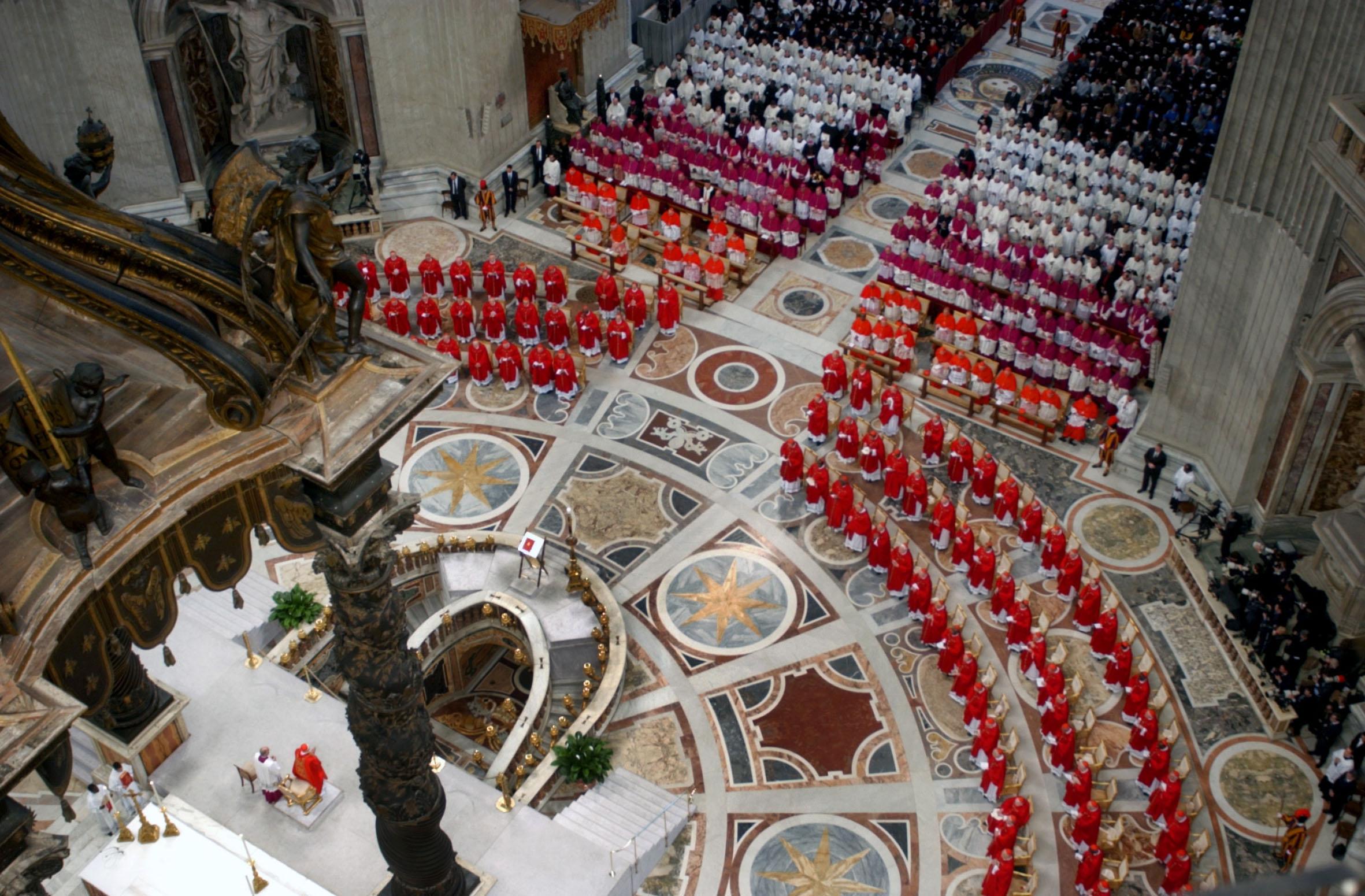 Ecco i nomi dei 115 cardinali che eleggeranno il Papa