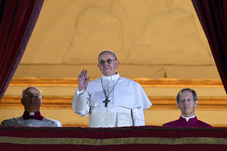 Il successore di Benedetto XVI è il card. Bergoglio