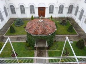 Il chiostro del monastero della Visitazione di Pinerolo