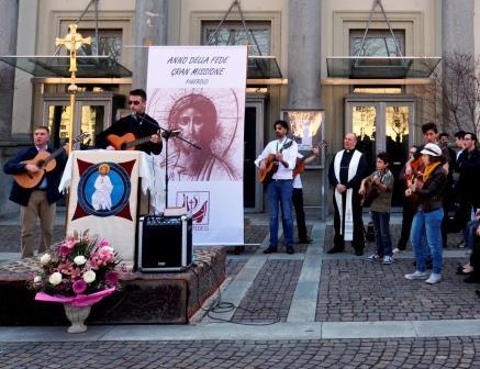 Con i neocatecumenali il Vangelo scende in piazza