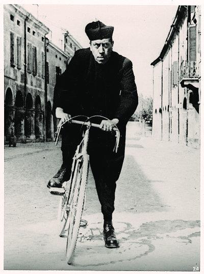 Il clero: tra norme pastorali e l'uso della… bicicletta!