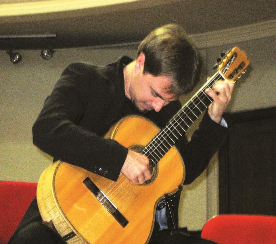Il chitarrista Beniamino Trucco