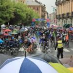 L'arrivo del gruppo in Piazza Barbieri (Foto Fabrizio Falco)