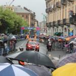 La macchina di inizio corsa in Piazza Barbieri (foto Fabrizio Falco)
