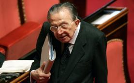 È morto a 94 anni Giulio Andreotti. Fu 7 volte premier
