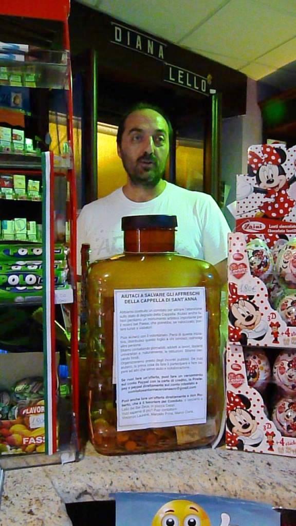 """Anche il """"Bar Zeus"""" di Cercenasco si è attivato nella raccolta fondi per il salvataggio degli affreschi"""