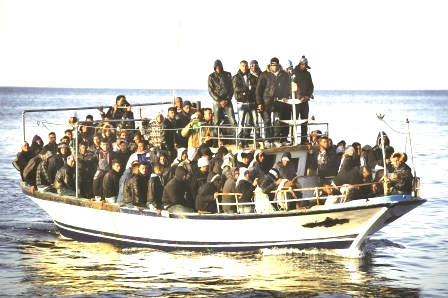 ITALY-TUNISIA-IMMIGRATION-BOAT