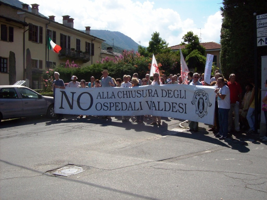 La protesta per gli ospedali valdesi arriva al Sinodo