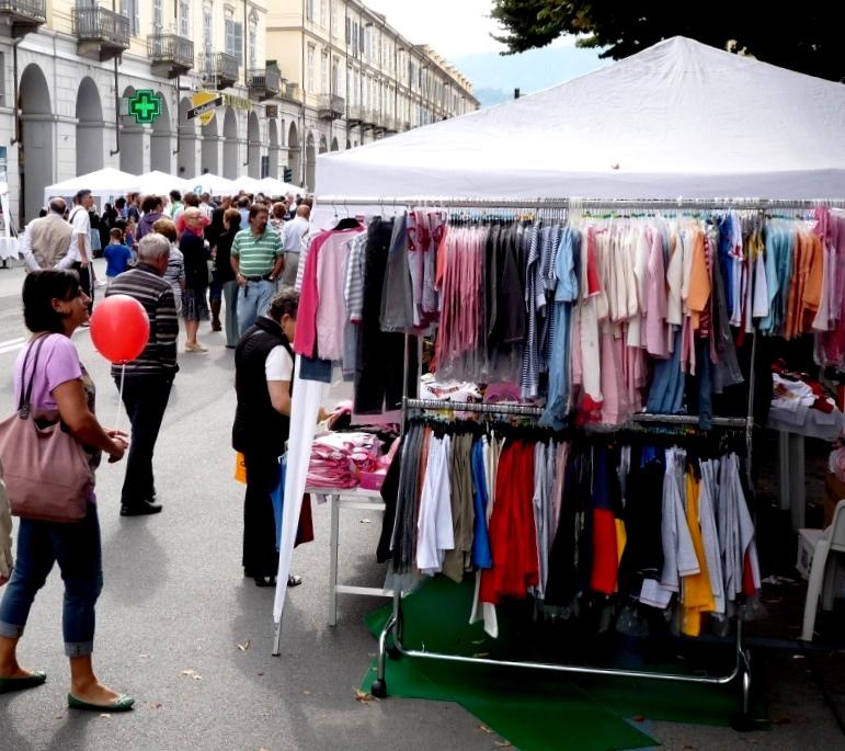 """Domenica 1 settembre a Pinerolo  tornano le """"Vetrine dei Borghi"""""""