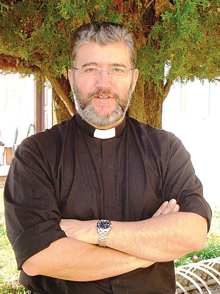 I primi giorni da parroco di Don Orlando Aguillar Tobon