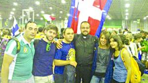 Don Fabiano Corsato e i giovani del pinerolese
