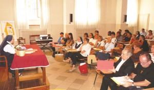 Un momento della presentazione del Master. A sinistra, suor Gabriella Canavesio. Seduti da destra: don Massimo Lovera e fratel Donato Petti