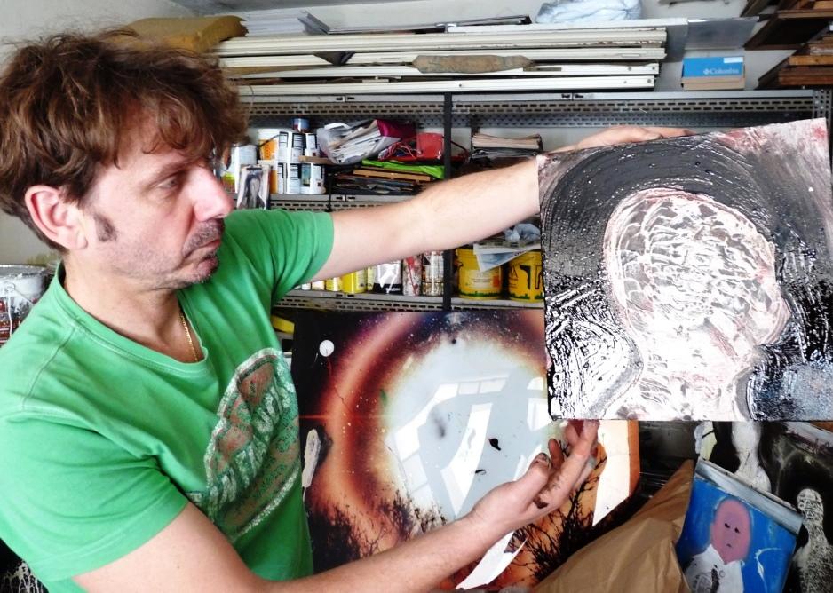 Domenica 7 giugno Jean Paul Charles dipinge dal vivo a Torre Pellice