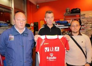 Jean Paul Charles presenta la maglia con la quale parteciperà alla Turin Marathon 2013