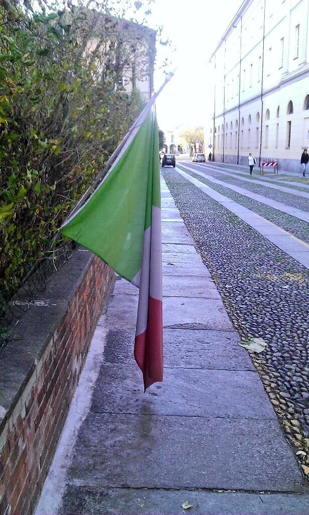 Il vento che ammaina la bandiera