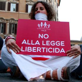 Omofobia: è davvero necessaria una legge?