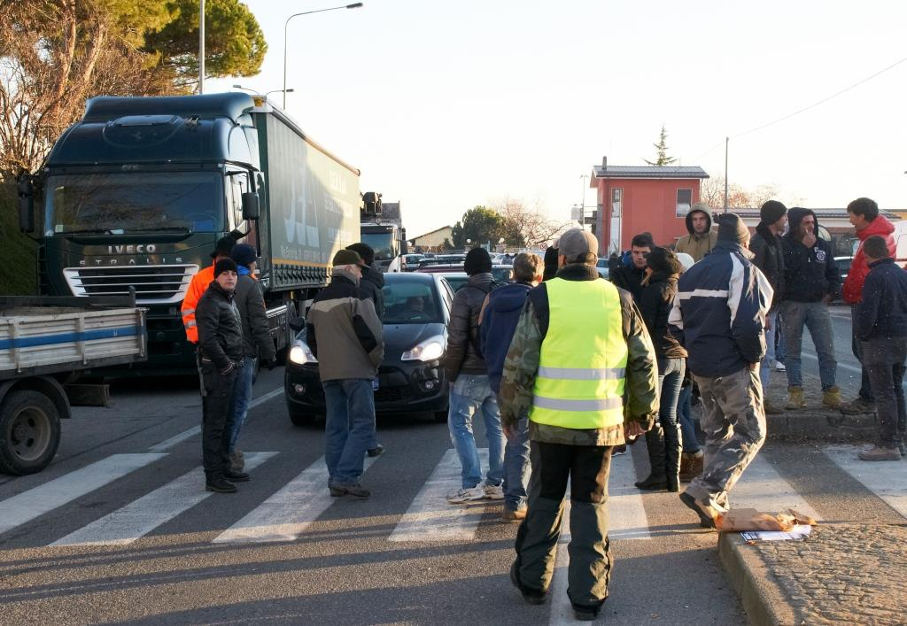 [Protesta dei forconi] Foto e sintesi dei tre giorni di blocchi a Pinerolo