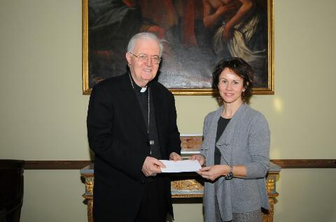 Consegnati all'Arcivescovo Nosiglia i primi 50.000 euro frutto della risposta all'appello solidale in occasione dei funerali di Alberto Musy