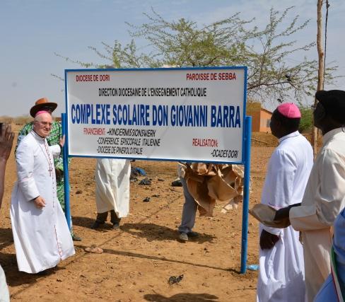 [ photogallery ] Il Vescovo di Pinerolo ha inaugurato a Sebba la scuola dedicata a don Barra