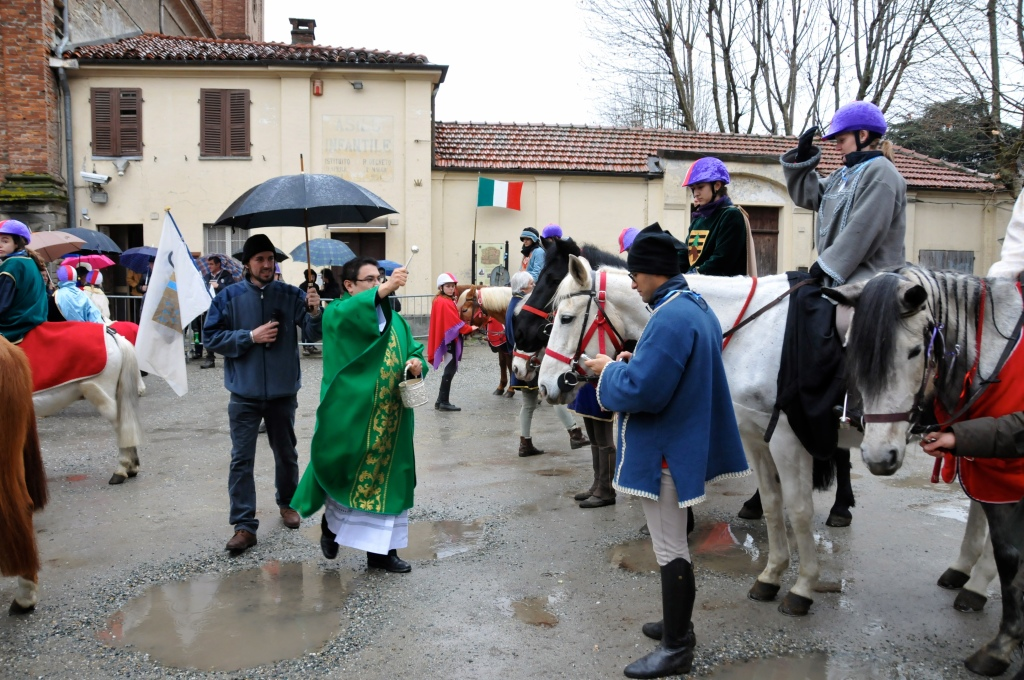 [ photogallery ] Ad Abbadia la festa di sant'Antonio con la benedizione degli animali
