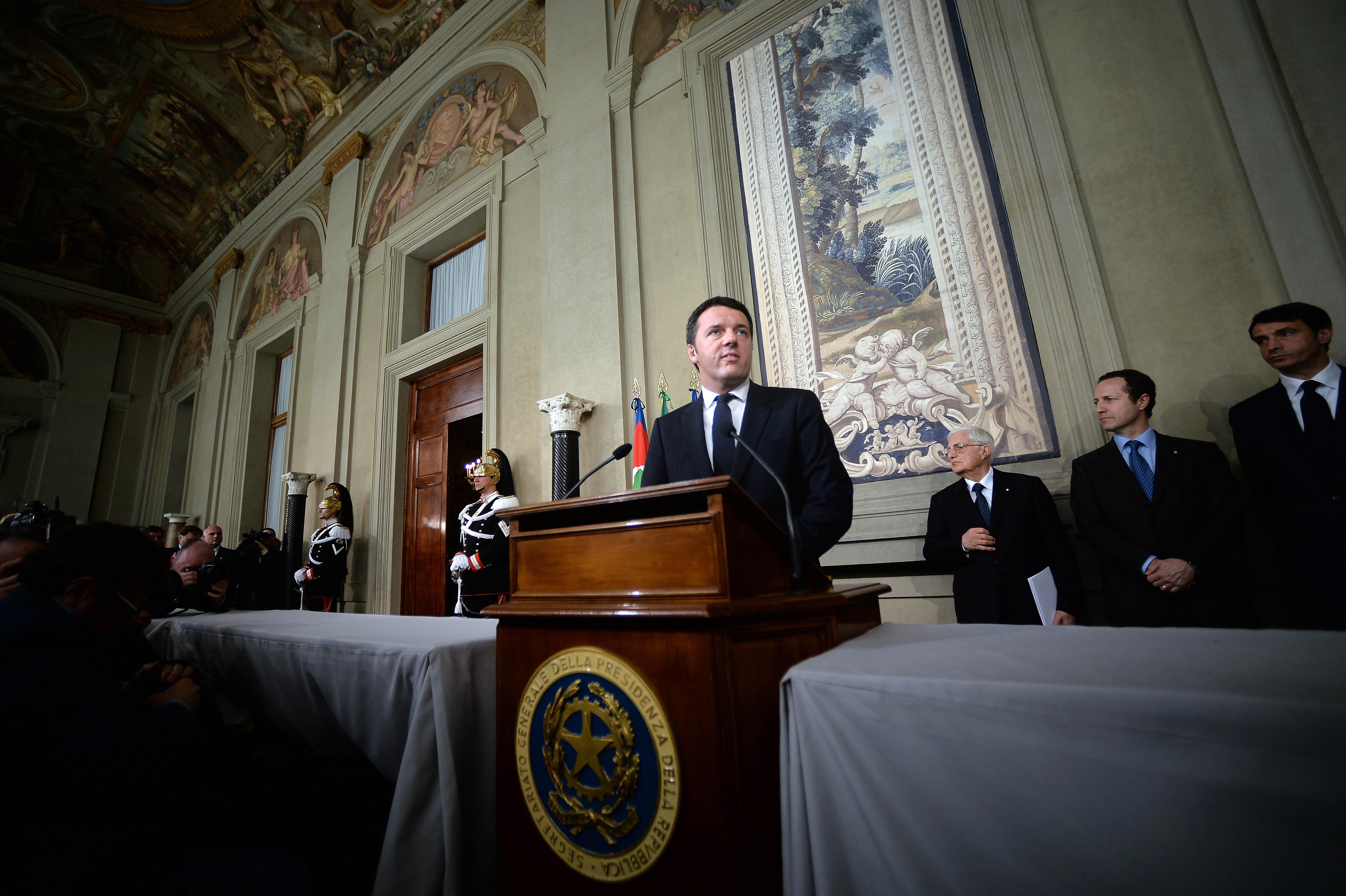 Ecco i ministri del Governo Renzi. Metà sono donne