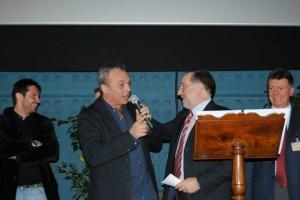 Il regista Claudio Amendola con il sindaco di Pinerolo Eugenio Buttiero (foto Ice3Pole)