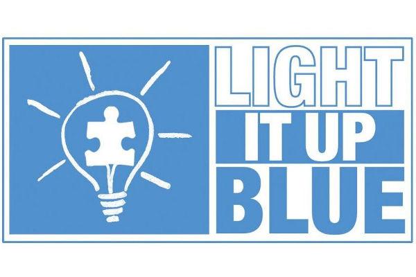 Giornata Mondiale dell'Autismo. Il 2 aprile il palazzo comunale di Pinerolo si illumina di blu