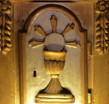 Mons. Nosiglia celebra una Messa in riparazione delle profanazioni dell'Eucaristia