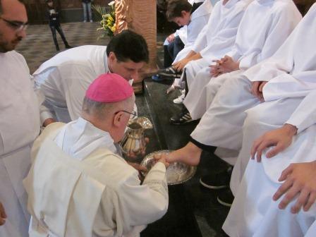 """Pinerolo. Messa """"In Coena Domini"""" e lavanda dei piedi"""