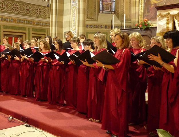 """Sabato 12 aprile il concerto del coro femminile """"Ensemble Vocale Arcadia"""""""
