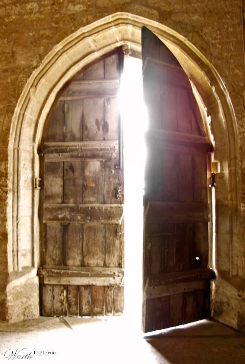 Io sono la porta: se uno entra attraverso di me, sarà salvo