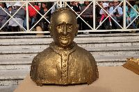 Il busto di papa Francesco dello scultore Maurizio Rinaudo