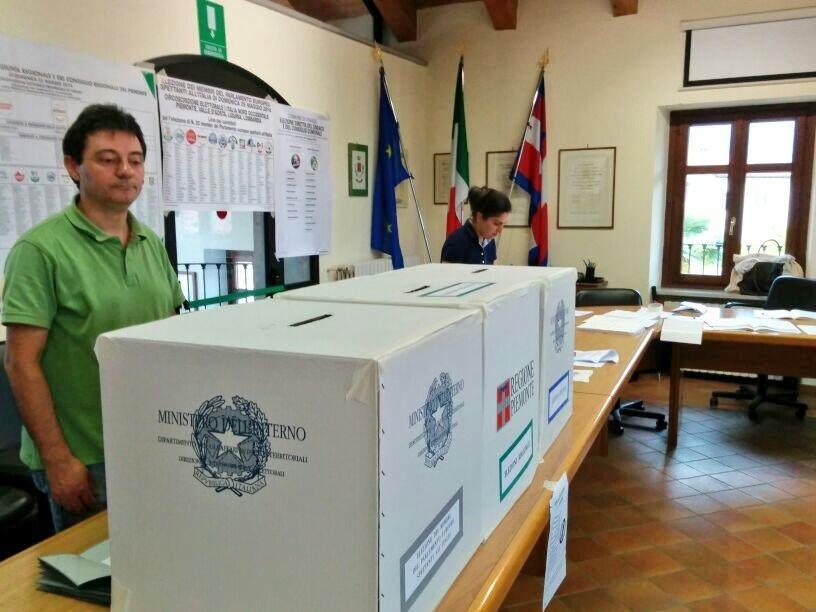 Elezioni: in Europa si afferma il PPE