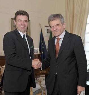 Passaggio di consegne tra il presidente uscente Roberto Cota e il nuovo Sergio Chiamparino
