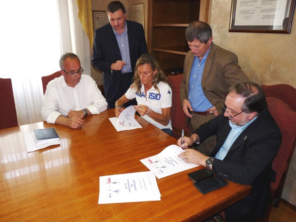 Fibra ottica a Pinerolo, Roletto e Luserna: firmato il Protocollo di Intesa