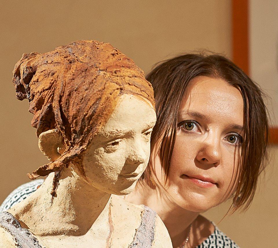 """Il """"Diario segreto"""" di Jurga. Incontro con la scultrice lituana alla Galleria Losano"""
