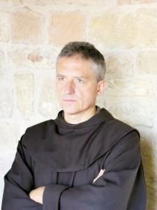 Padre Vittorio Francesco Viola.