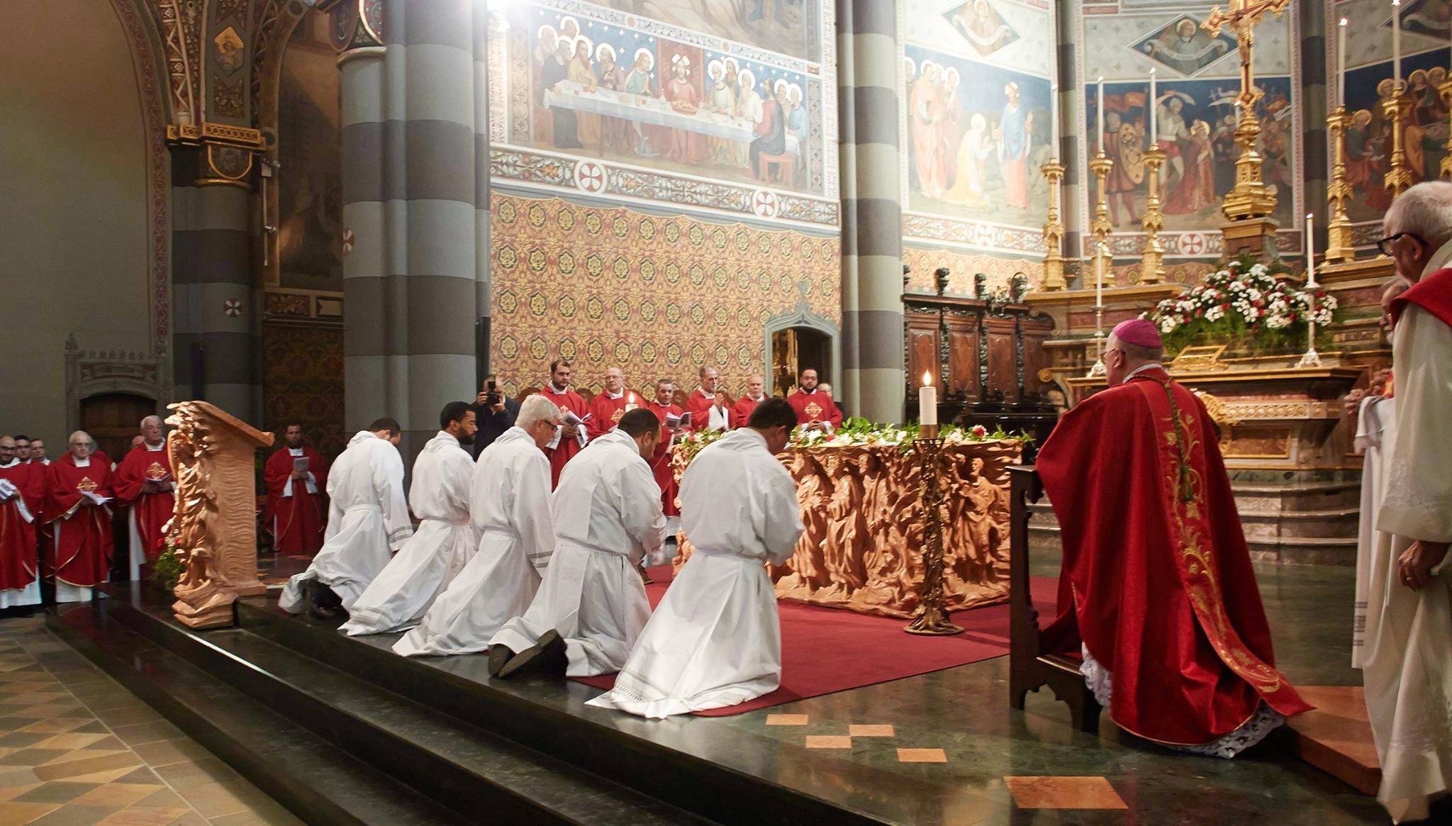 Pinerolo: ordinazione diaconale per cinque seminaristi del Redemptoris Mater