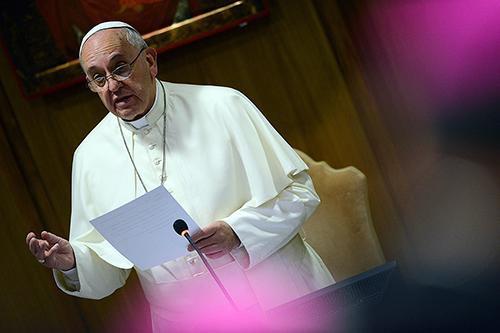 Papa Francesco sul gender: rischiamo di fare un passo indietro