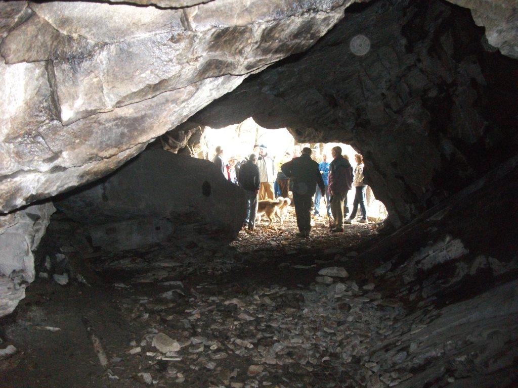 Cantalupa. Il bel tempo accompagna la gita alla grotta Ciumera