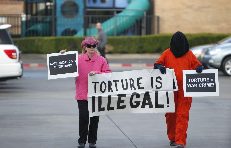 Tortura: in Italia manca una legge