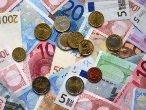 Euro_coins_and_banknotes - Copia