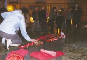Flash mob in piazza Facta contro la violenza sulle donne