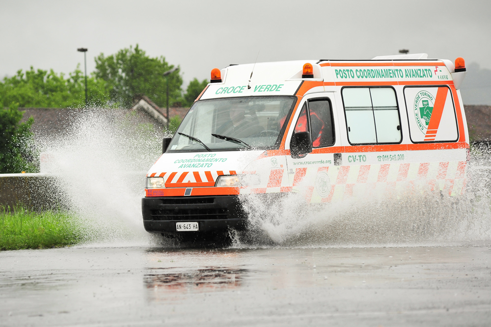 Torino. Convegno della Croce Verde sulla guida sicura dei mezzi di soccorso