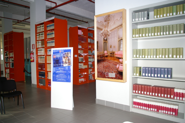 """Torino. Mostra """"Cimeli dal fronte"""" alla biblioteca della Regione Piemonte"""