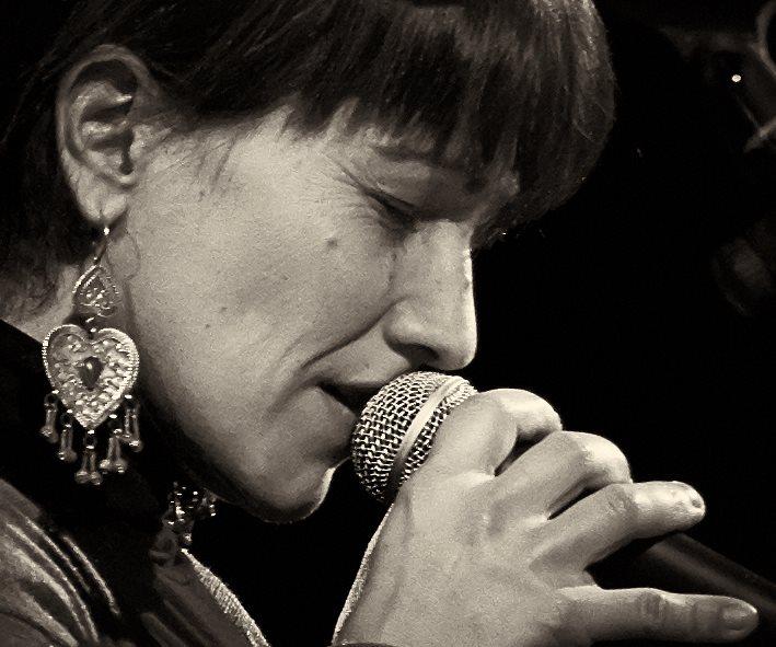 Valeria Tron, la cantautrice del patouà